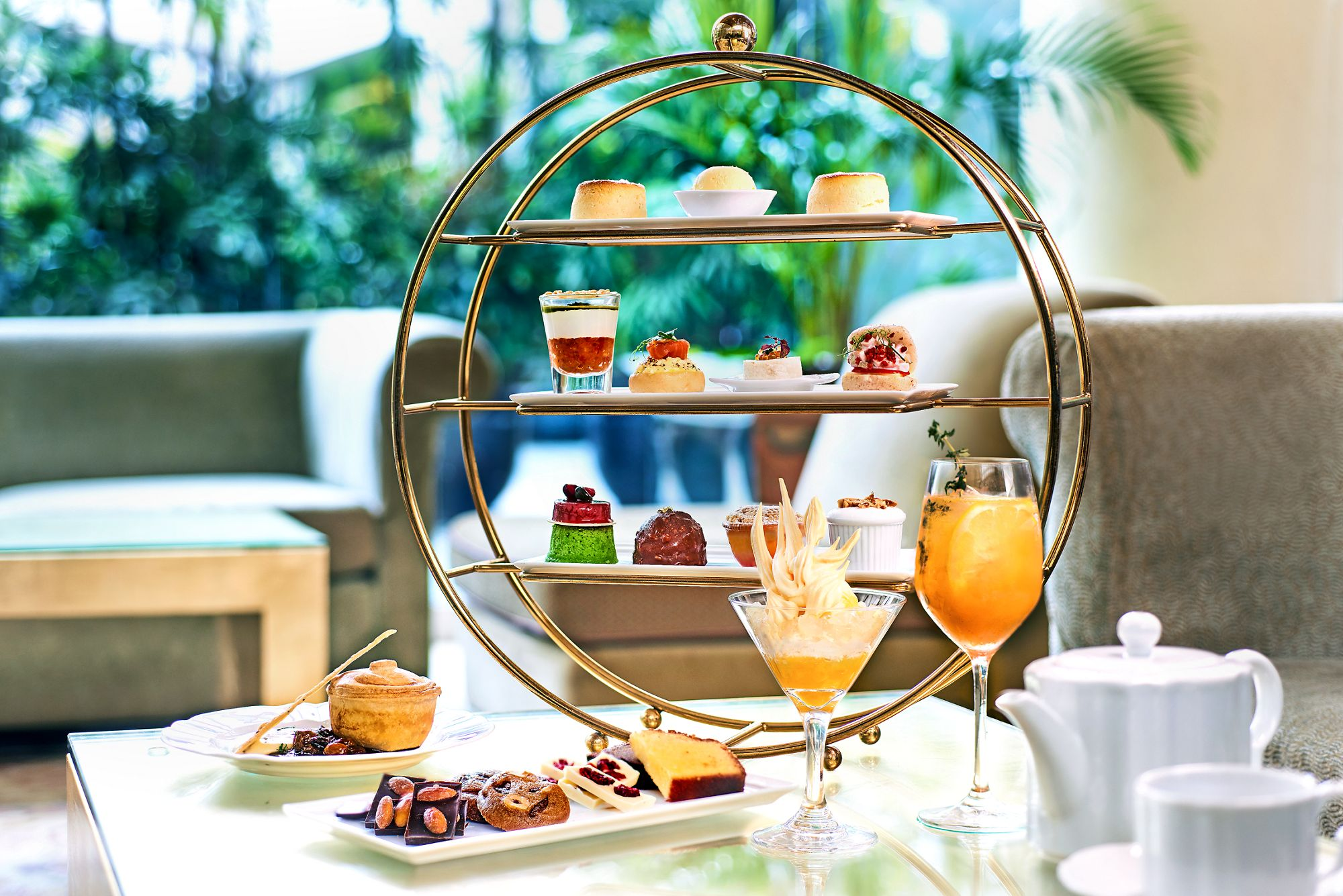 Best High Tea Singapore 07 Chihuly Lounge @ The Ritz-Carlton, Millenia Singapore